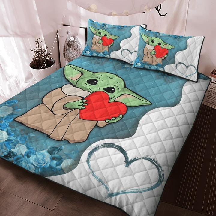 Baby Yoda heart flower quilt bedding set