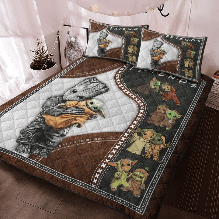 Groot and baby Yoda friend quilt bedding set