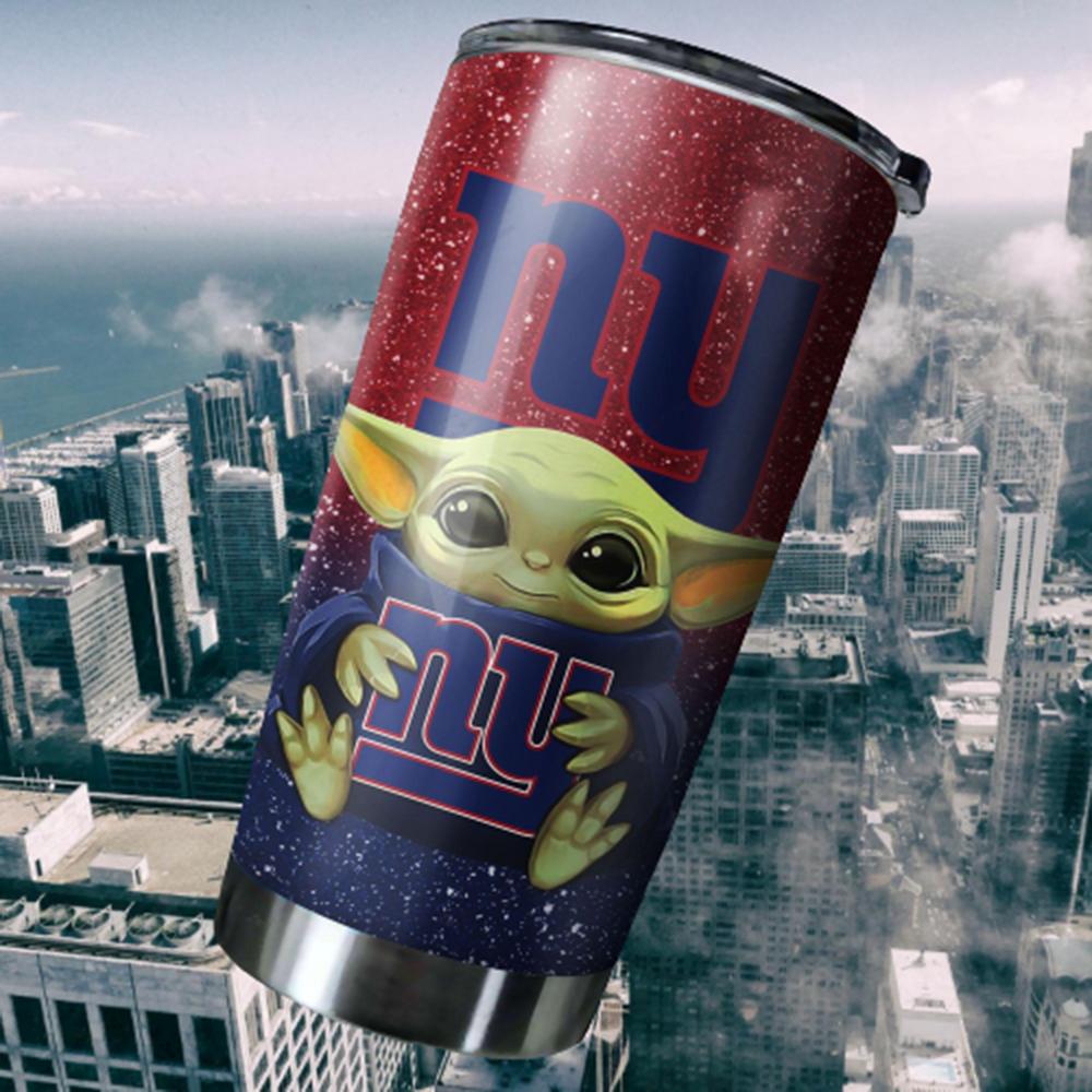 Baby Yoda Hug New York Giants 20oz Tumbler2
