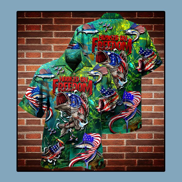 Fishing American flag hooked on freedom Hawaiian shirt1