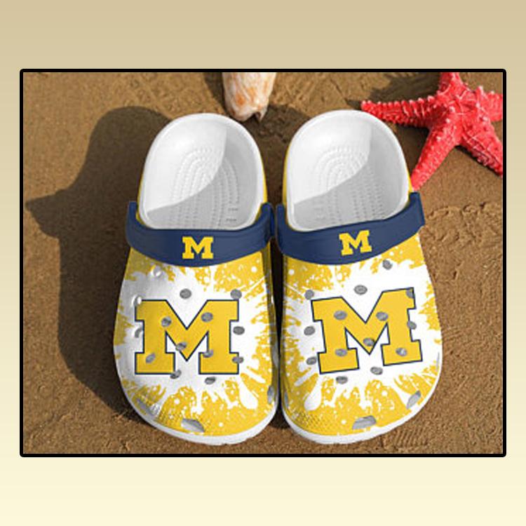 Michigan Wolverines croc crocband shoes 3