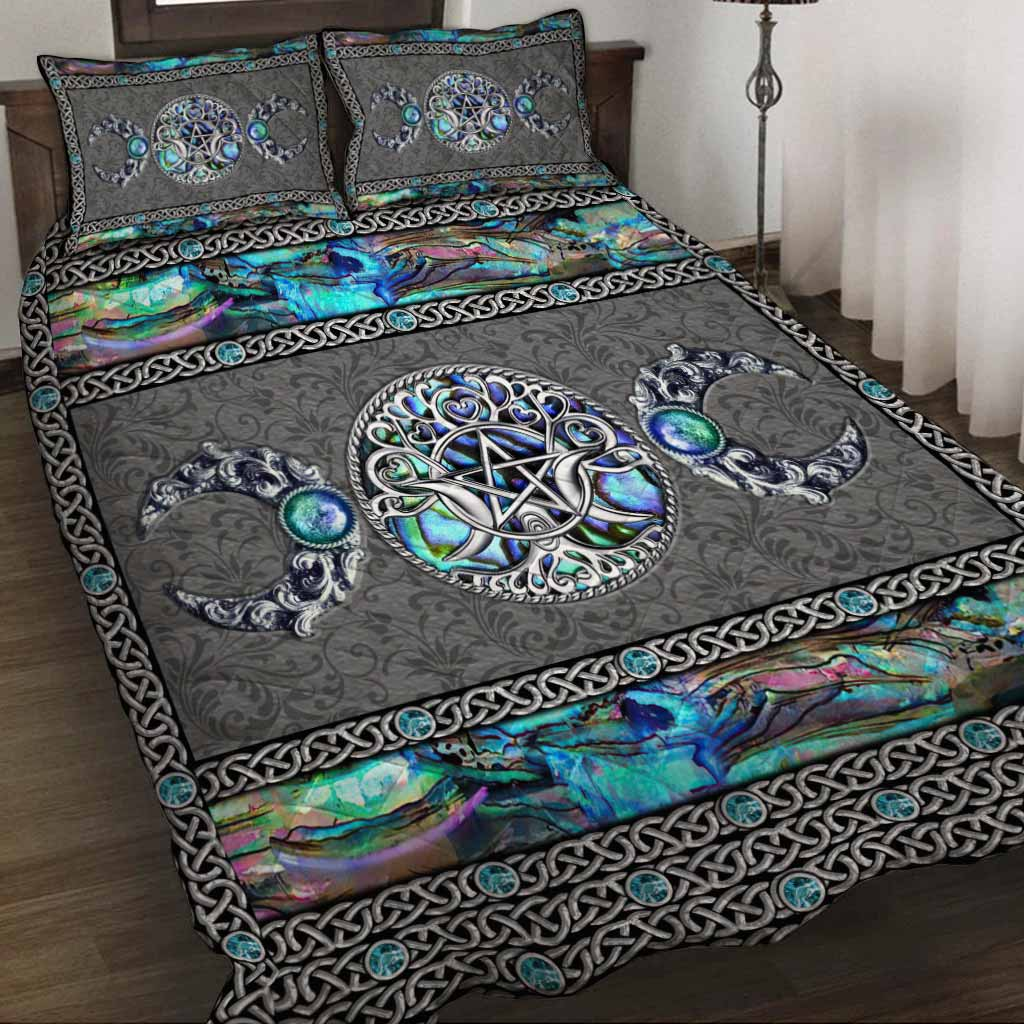 Mystery Spirit Triple Moon Witch quilt bedding set 1